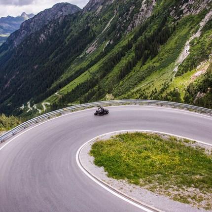 SICHERES MOTORRADFAHREN  Tipps für sicheres Motorradfahren Hallo liebe Motorradfahrende ?? Damit Ihr für eure Ausfahrten und Touren mit dem Bike immer gut gerüstet seid haben wir hier ein paar Tipps für sicheres Motorradfahren. Die Vorbereitung ...