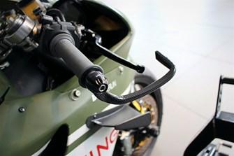 DSB Servier-Vorschlag #2 – CNC Racing Brake-Guard