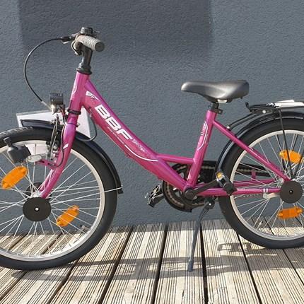 "BBF Bike With Passion 20""  Farbe: lila Preis: € 240.-"