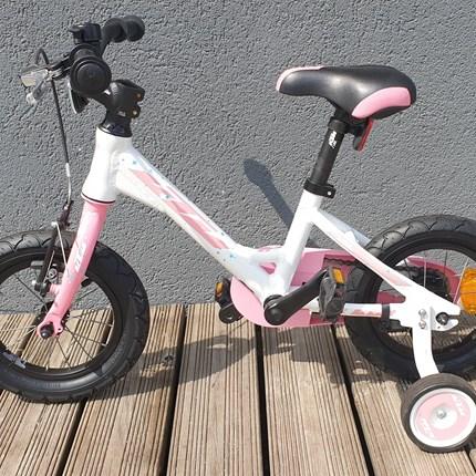 """KTM Kinderfahrrad 12""""   Kinderfahrrad für Mädchen mit Alu Rahmen und Stützräder Farbe: rosa Alter: für Kinderbis 3 Jahren Preis: € 239,99"""