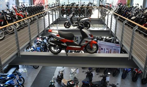 Unternehmensbilder Fahrzeug-Center Schriewer 2