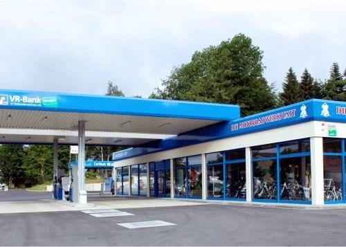 Tankstelle & Shop
