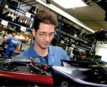 Unser Werkstatt-Service:  Bei Stöbe Motorräder stehen hoch qualifizierte Spezialisten mit einem Gespür für Ihr Bike tagtäglich dafür ein, immer nur das Optimum für Sie zu leisten.  Ein wichtiges Element für einen perfekten...