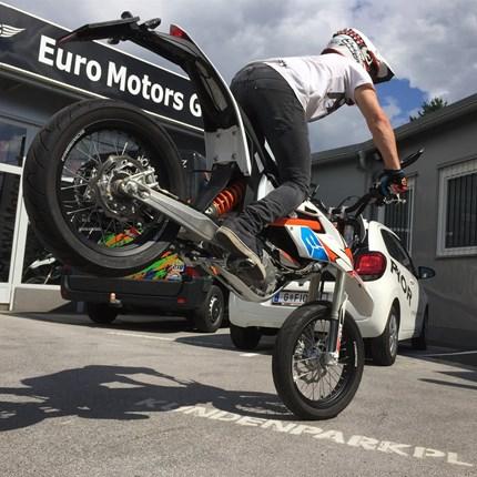 Philipp Seemann Philipp Seemann - Team Euro Motors Graz     Auch heuer kommen wir wieder gemeinsam mit Freestyle-Ass Philipp hoch hinaus. Philipp nimmt wieder mit seiner KTM 250 SX an diversen nationalen und internationalen FMX Shows teil...