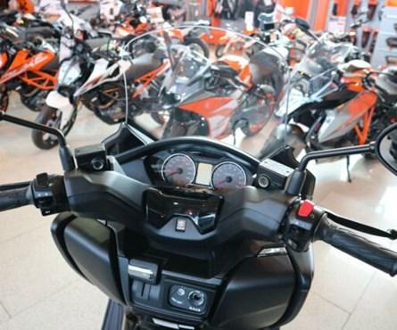 Neumotorrad Suzuki Burgman 400