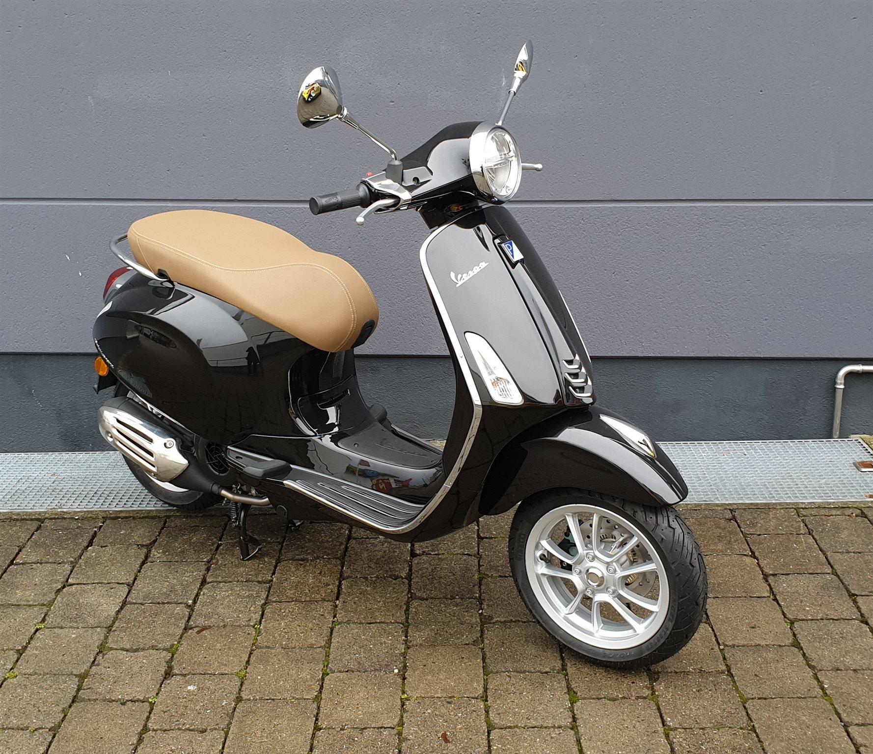 Neumotorrad: Vespa Primavera 125 iGet, Baujahr: 2021, 4.629,00 EUR