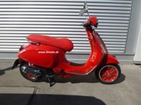 Neumotorrad Vespa Primavera 125 (RED)