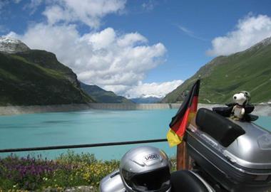 Schweiz - Im Land der Käslochbohrer
