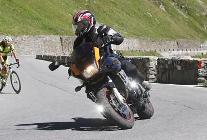 Motorrad Tour Tagestour  1010 km 12 große Pässe