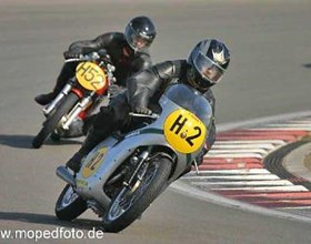 Am Sonntag, den 28. April 2013 findet wieder der DM-Lauf für historische Rennmaschinen, der 23. 'Kölner Kurs'auf dem Nürburgring statt. Besuchen...