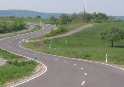 Kundenausfahrt - Nürburg Ring/Eifel Kundenausfahrt - auf kleinen Strassen durch die Eifel - Kurven , Kurven -Streckenläge 260Km