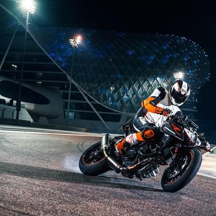 KTM Orange Day & Eröffnungsfeier KTM Orange Day & Store EröffnungsfeierWir starten in die neue Saison 2017 mit KTM....Es erwarten Euch tolle Angeboet und Aktionen (Powerpart&Powerw...