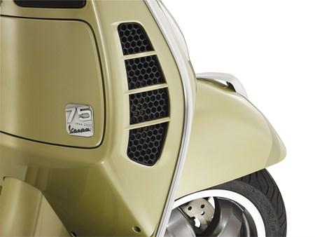 GTS 125 Supertech iGET 75th Anniversary