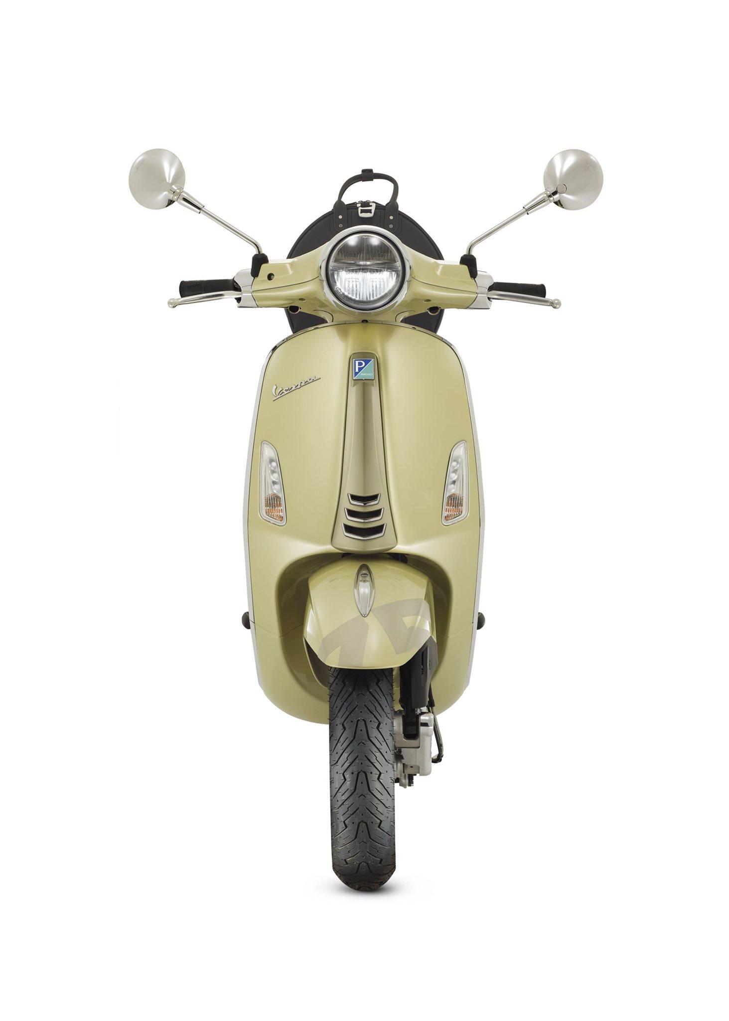 Vespa Primavera 50 75th