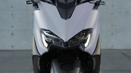 TMAX 560