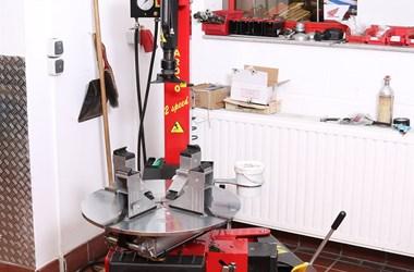 /job-vacancies-zweiradmechaniker-fachbereich-motorrad-w-m-d-2419