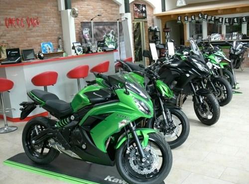 Motorrad begeisteter Mitarbeiter