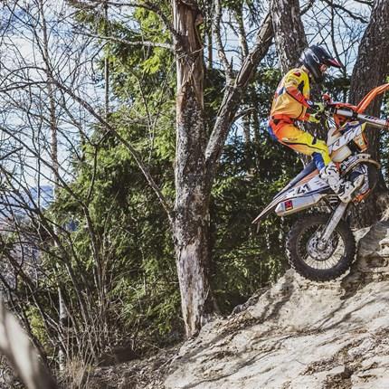 KTM Walzer Teamrider zeigten solide Leistungen beim Enduro ÖM Lauf in Rothenfels und Hillclimbing Rennen in Rauris! Der vierte Lauf zur diesjährigen Enduro Staatsmeisterschaft ging gemeinsam mit dem dritten Lauf zur Enduro-Trophy ... Weiter >>