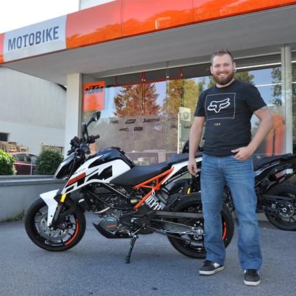 Fahrzeugübergabe KTM 125 Duke  Wir wünschen Daniel viel Spaß mit seiner neuen KTM 125 Duke und stets eine GUTE FAHRT!!! Weiter >>