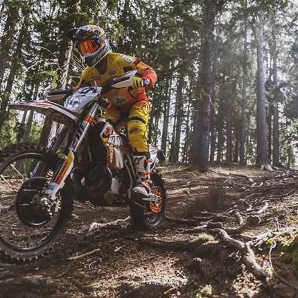 DUST IN THE WIND >> DIMOCO AspangRace 2019 KTM Walzer Teamrider zwei Mal am Podium !  Die sechzehnte Ausgabe des legendären Rennens im niederösterreichischen Aspang, ... Weiter >>