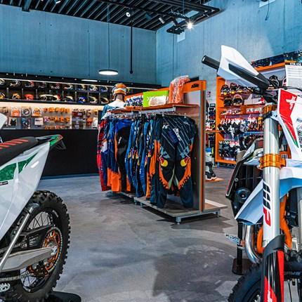 Walktrough Kini Shop - Episode 5 - Offroad Modelle & KTM Powerparts