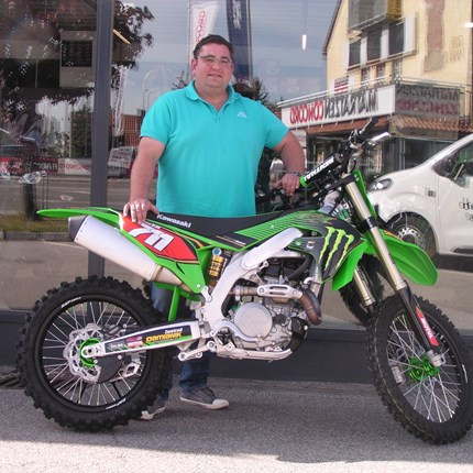 Es ist Zeit für Veränderungen! Es freut uns, dass wir heute an Mathias eine sehr schöne,personalisierte Kawasaki KX 450 übergeben dürfen. Wir wünschen mit dem B... Weiter >>