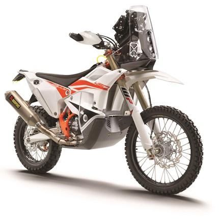 NEW: KTM 450 RALLY REPLICA 2021  KTM PRÄSENTIERT DIE NEUE VERSION DER  KTM 450 RALLY REPLICA 2021  Die 2021er-Version der KTM 450 RALLY REPLICA steht wie kaum... Weiter >>