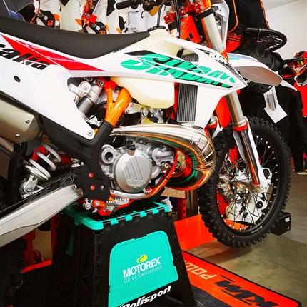 Motorex Motocross Ständer  Motorex Motocross Ständer jetzt bei uns verfügbar !!
