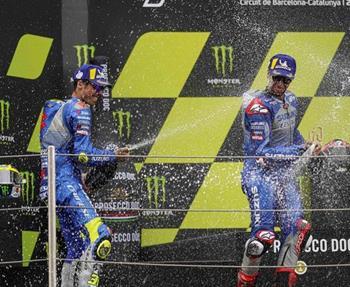 Die Fahrer des Suzuki ECSTAR Teams legen auf ihrer Heimrennstrecke, dem Ring von Barcelona-Katalonien, eine erstaunliche ... Weiter >>