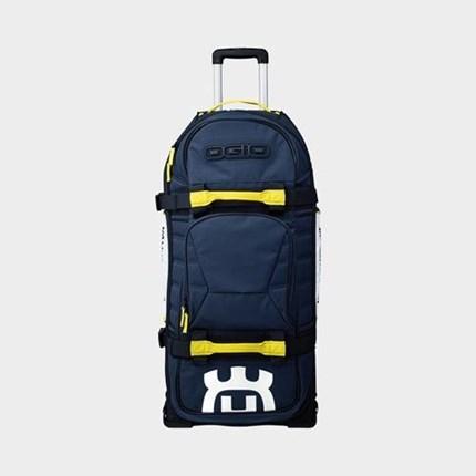 Husqvarna Travel Bag 9800 - Zum Sofort mitnehmen !!  Husqvarna Travel Bag 9800 - Zum Sofort mitnehmen !!  Großes Hauptfach mit verstellbaren Trennwänden und gepolsterter Motorradh... Weiter >>