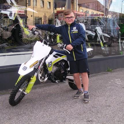Neue TC 65 abgeholt!!  Für Mark heißt es schon etwas früher: Alle Jahre wieder - aber ein neues Motorrad! Wir wünschen mit der neuen Husqvarna TC 65 v... Weiter >>
