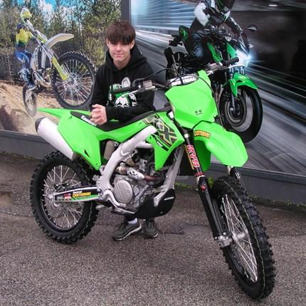Ein Motorradwechsel steht an!  Für dieKX 85 ist Philipp schon zu groß. Daher steht ein Motorradwechsel an. Die Entscheidung viel heuer nicht sonderlich schwer... Weiter >>