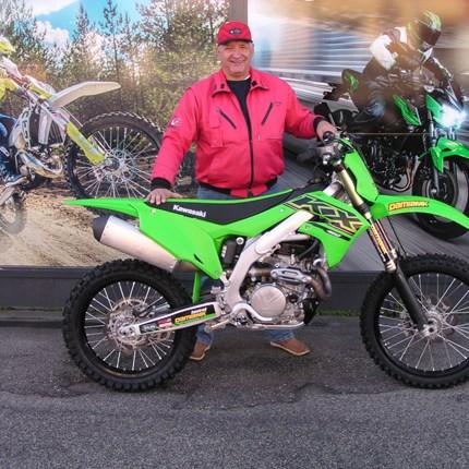 Alles neu !!!!!!!!!  Einen neuen Lebensabschnitt begonnen - erledigt!! Ein neues Motorrad abgeholt - erledigt!! Es freut uns, dass wir heute an Joko ... Weiter >>