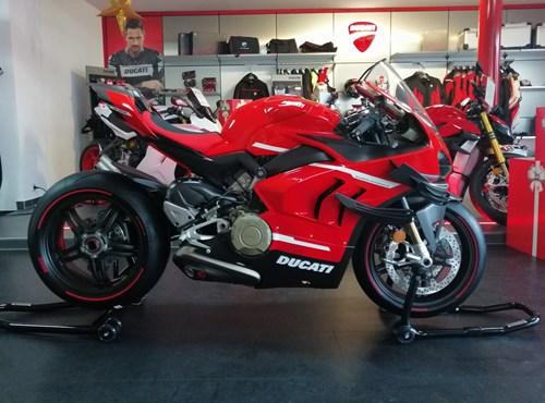 Auslieferung Ducati Superleggera V4