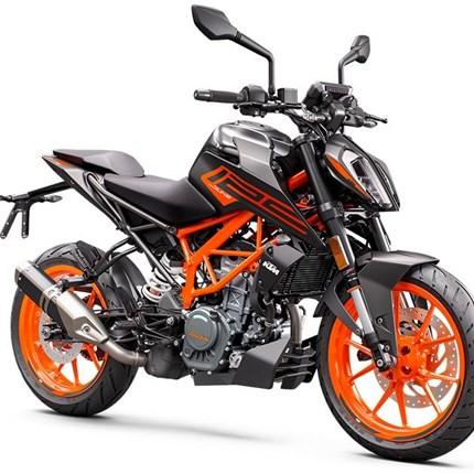 KTM Duke 125 Modell 2021  KTM 125 DUKE 2021 Die KTM 125 DUKE hat eine wahrhaft königliche Abstammung. Mit einem kraftvollen, drehfreudigen Einzylindermot... Weiter >>