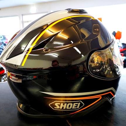 Shoei GT AIR II  Panorama neu eingetroffen !!  Shoei GT AIR II  Panorama neu eingetroffen !! Der Helm ist in verschiedenen Größen bei uns erhältlich !! Click & collect !!