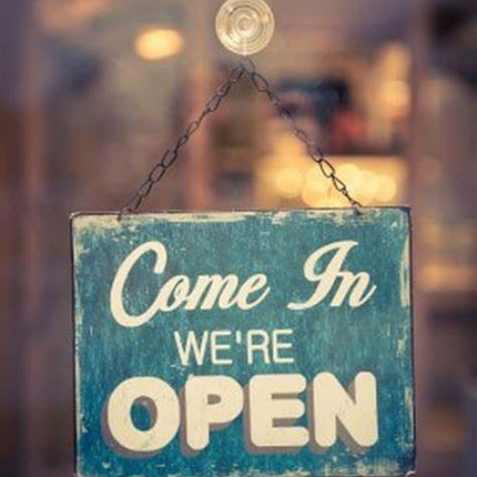 Wir haben wieder  GEÖFFNET !!!!  Wir dürfen wieder ÖFFNEN !!! Bis 4.7.2021 gelten folgende Öffnungszeiten: Montag, Dienstag 9.00-12.00 und 14.00-18.00, Mittwoch... Weiter >>