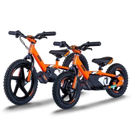 Electric Balance Bikes im KTM und Husqvarna Look eingetroffen!  Ab sofort sind bei uns die Electric Balance Bikes der Marke Stacyc im KTM und Husqvarna Design verfügbar. Die Räder sind dafür g... Weiter >>