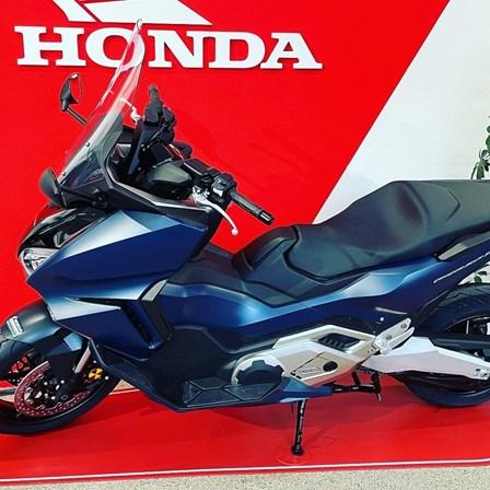 Honda Forza 750 und SH350i eingetroffen