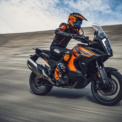 Die neue KTM 1290 Super Adventure S ist da!!!  Ab sofort könnt ihr bei uns die neue KTM 1290 Super Adventure Probefahrten. Macht einfach ein Termin mit uns aus. Wir freuen uns... Weiter >>