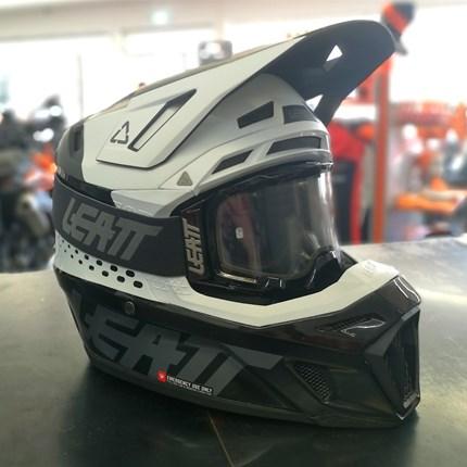 LEATT Motocrosshelm inkl. Brille !!  LEATT Motocrosshelm inkl. Brille !!