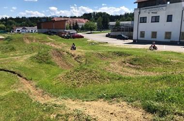 /newsbeitrag-motocross-fahrtechnik-und-fahrsicherheitstraining-fuer-kinder-und-jugendliche-ab-5-jahren-bei-honda-schmidinger-399938