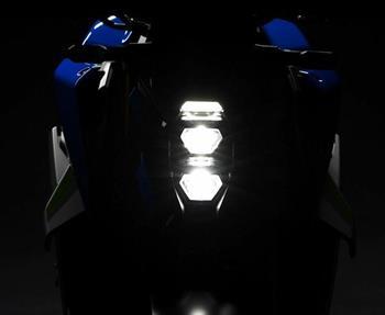 Bald schon wird das Geheimnis gelüftet um die Schönheit dieser Naked Beauty. Erhasche einen ersten Blick auf die neue Suzuki GSX-S... Weiter >>