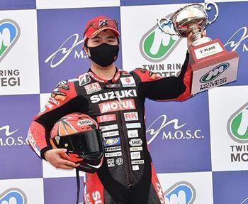 Nach der enttäuschenden Absage des 24-Stunden-Rennens von Le Mans holte Kazuki Watanbe in Motegi bei der Saisoneröffnung der All J... Weiter >>