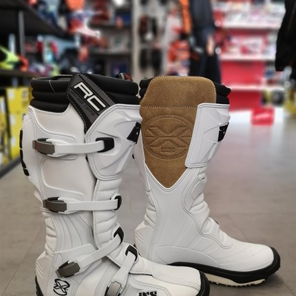 Motocross / Enduro Stiefel diverse Modelle verfügbar !!  Motocross / Enduro Stiefel diverse Modelle verfügbar !!