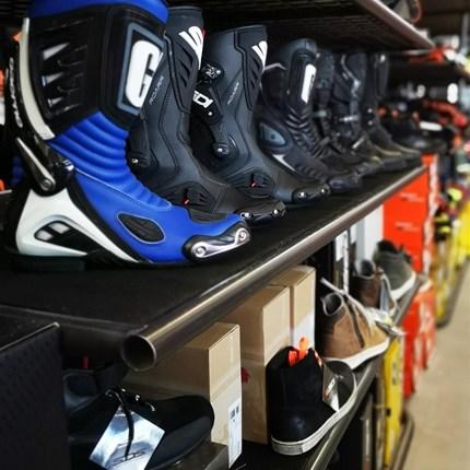 Motorradstiefel | Motorradsneaker   Motorradstiefel | Motorradsneaker KTM / HQV / IXS / GAERNE / SIDI uvm.