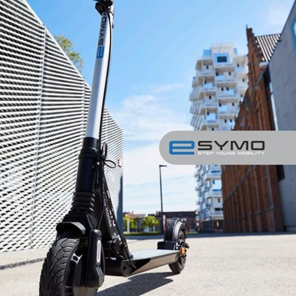 Elektro Scooter  Prompt Verfügbar Der Honda eSYMO (e-Step Young Mobility)  Bietet besten Fahrkomfort, eine Reichweite von bis zu 25 ... Weiter >>