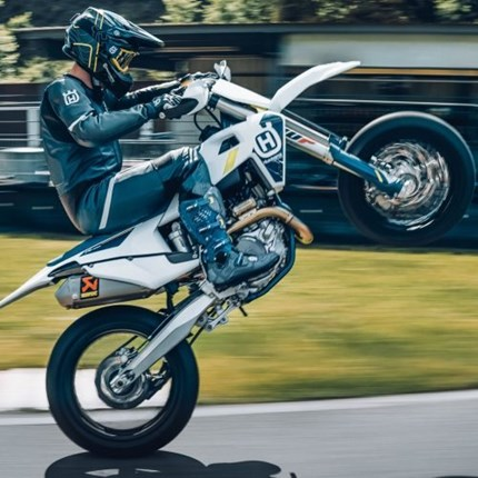 Built for competition – Husqvarna Motorcycles FS 450 available now Subtle refinements enhance class-leading supermoto racer for 2022