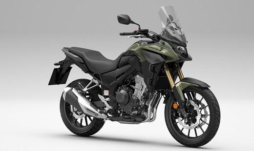 HONDA CB500X, Modelljahr 2022 erhältlich in der neuen Farbe Pearl Organic Green