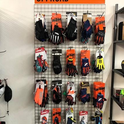 """MX-Handschuhe  uvm…..  Handschuhe, Protektoren, Stiefel……. uvm.für """"Offroader"""" www.ktmdirekt.at"""